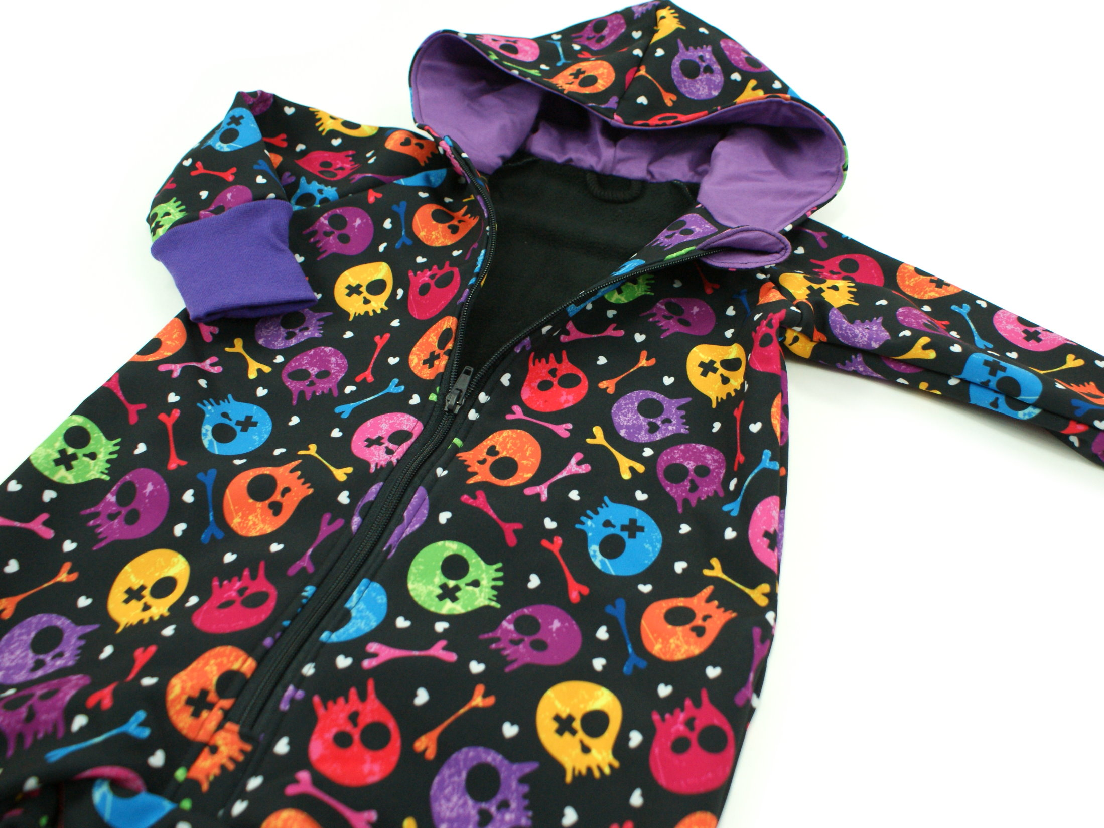 "Softshelloverall Anzug ""Colourful Skulls"" lila schwarz"