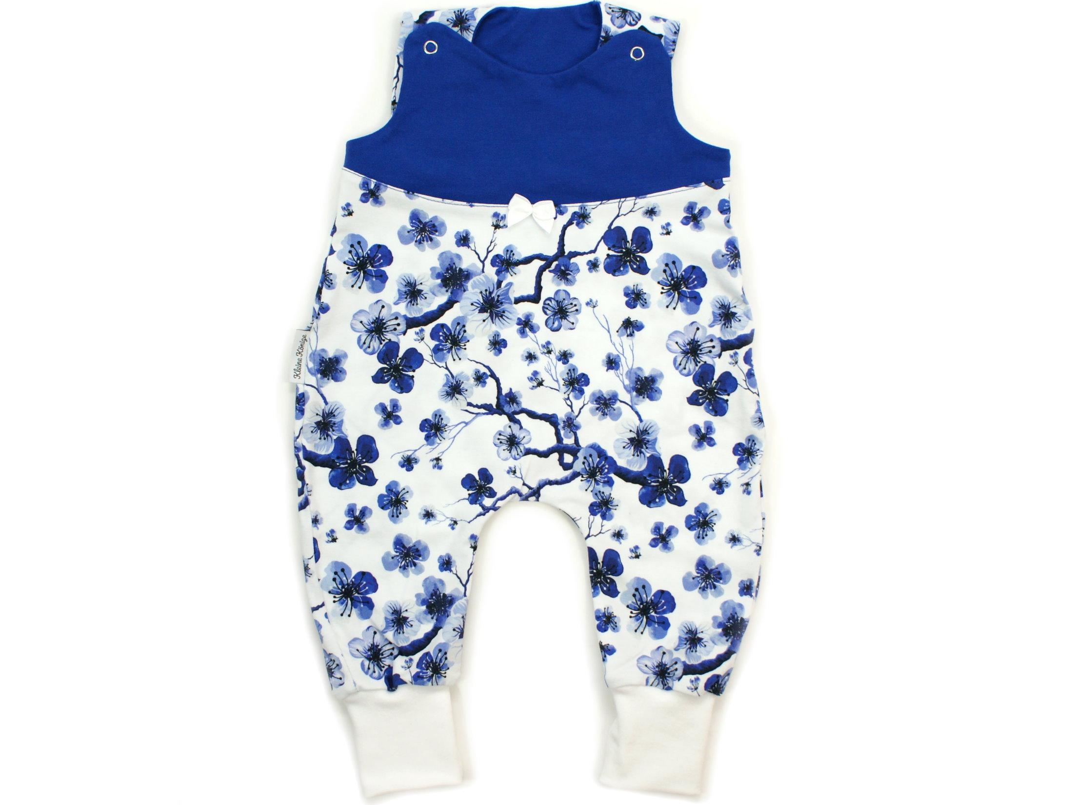 """Baby Strampler Blumen """"Blue Flowers"""" blau weiß"""