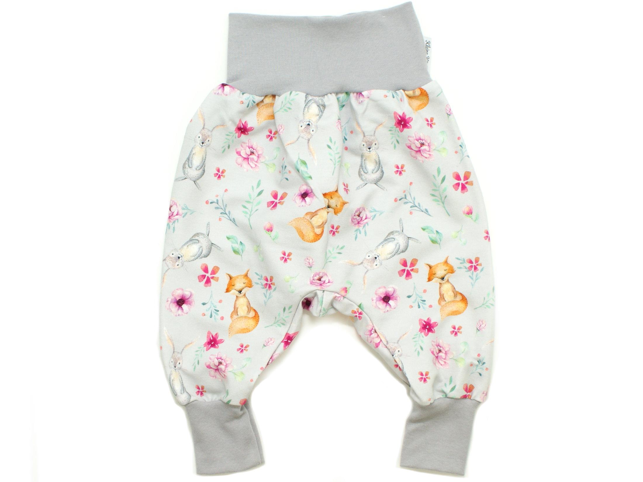 "Baby Pumphose Hase Fuchs ""Bloomy Wood"" hellgrau pink"