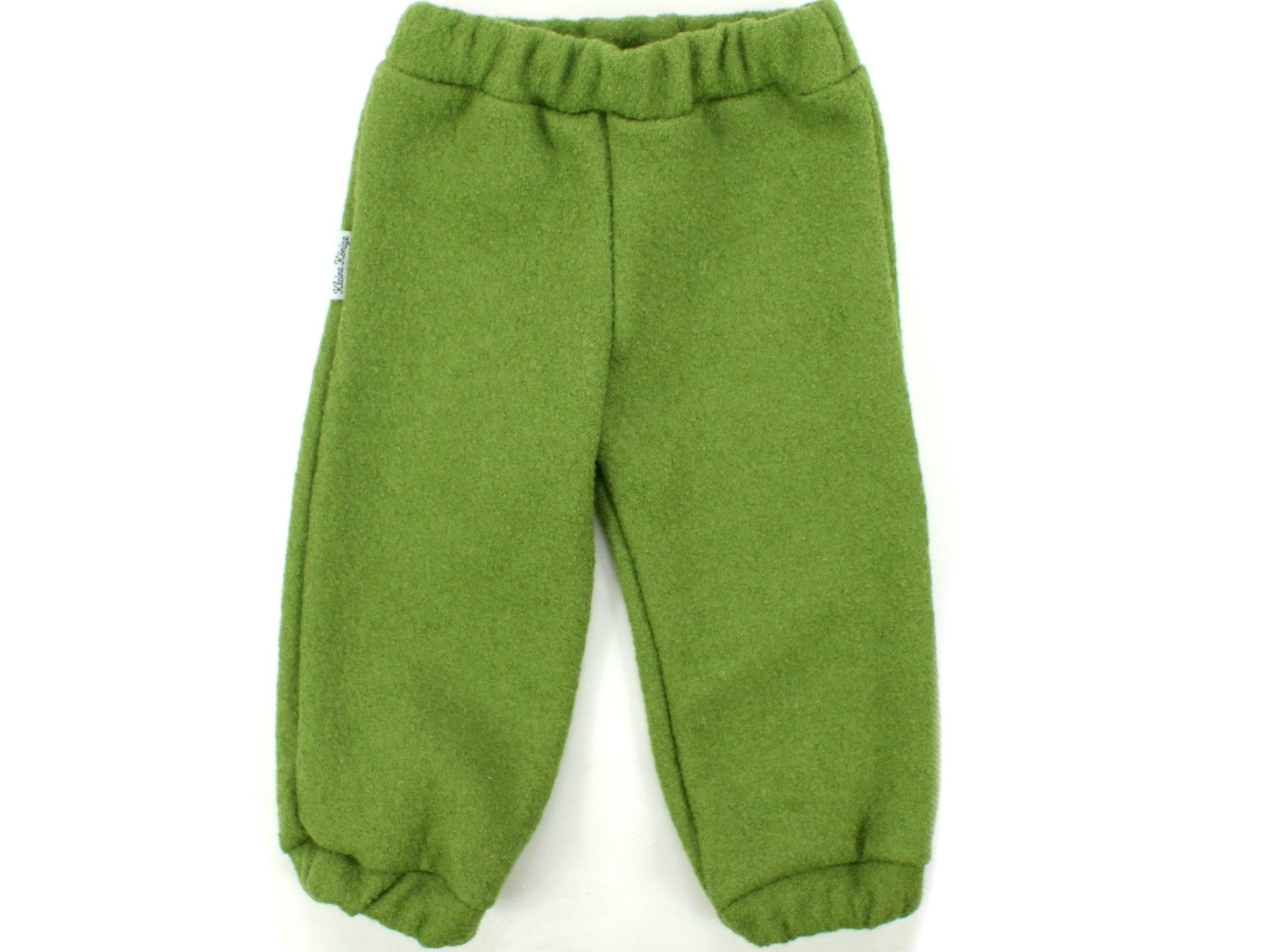 Kinderhose aus Wollwalk in Grün mit Gummizug und Taschen